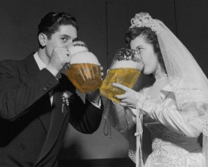 Beer-wedding-couple