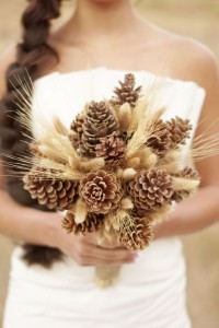Pine Cone Bouquet: This is a green material that can be locally, easily and cheaply sourced (find out how to eliminate sap though). Keep it long term or dismantle it and put it back in nature. Great for a fall or winter wedding.